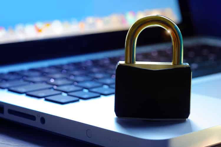 Sécurité d'un ordinateur symbolisé par un cadenas