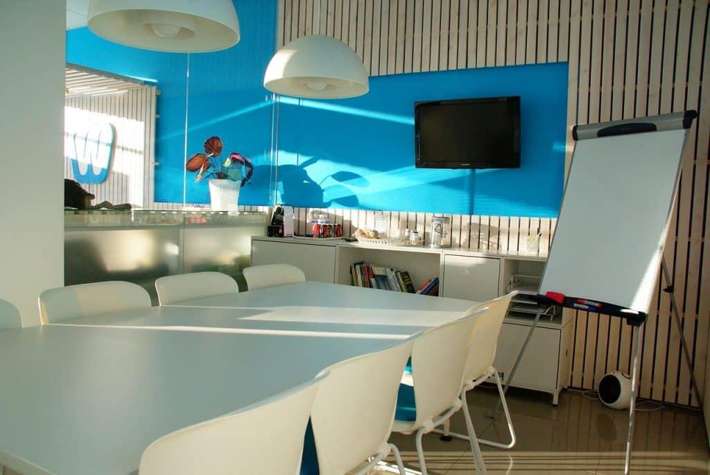 Salle de réunion dans une startup